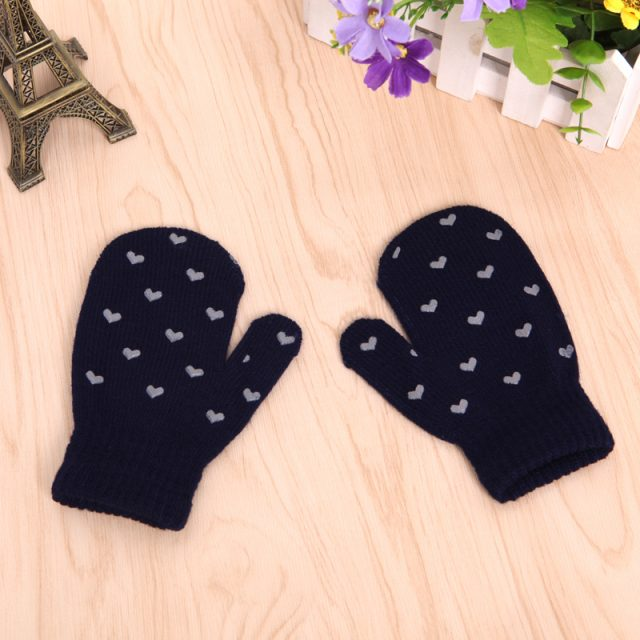Soft Knitted Patterned Gloves